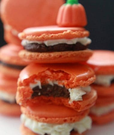 Pumpkin Frosted Macarons with Pumpkin Spiced Ganache by @LifeMadeSweeter