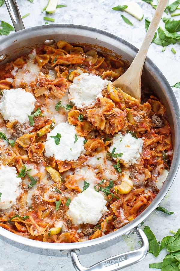 30 Minutes for this Easy Skinny Skillet Lasagna made entirely in just one pan
