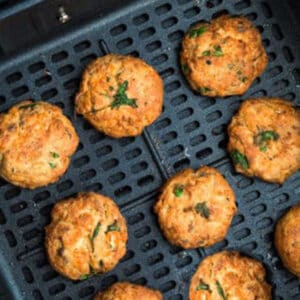 Pinterest image for air fryer salmon patties.