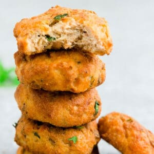 Pinterest graphic for air fryer salmon patties with a stack of patties.