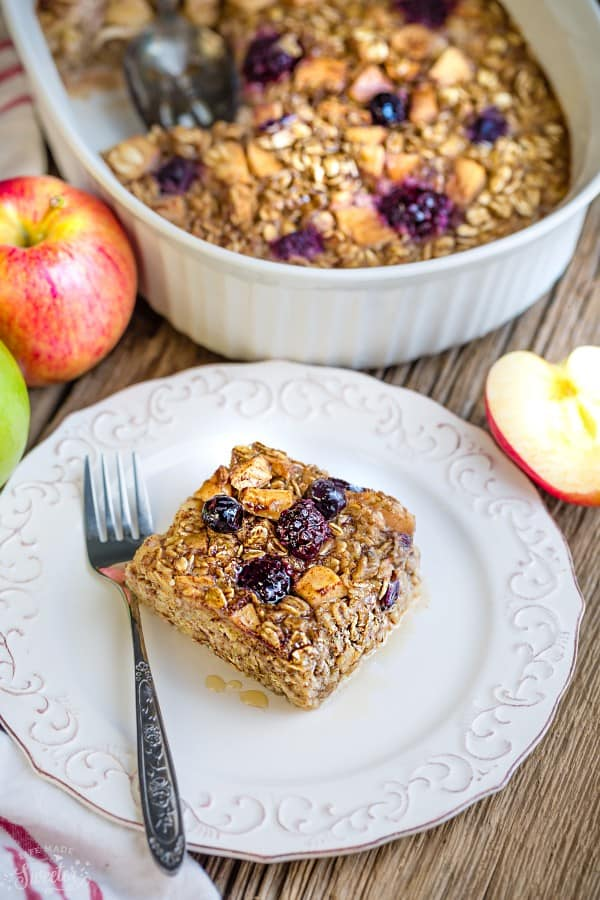 Apple Maple Baked Oatmeal makes the perfect easy make-ahead breakfast or healthy brunch. Best of all, this recipe takes just minutes to assemble for a comforting fall dish.