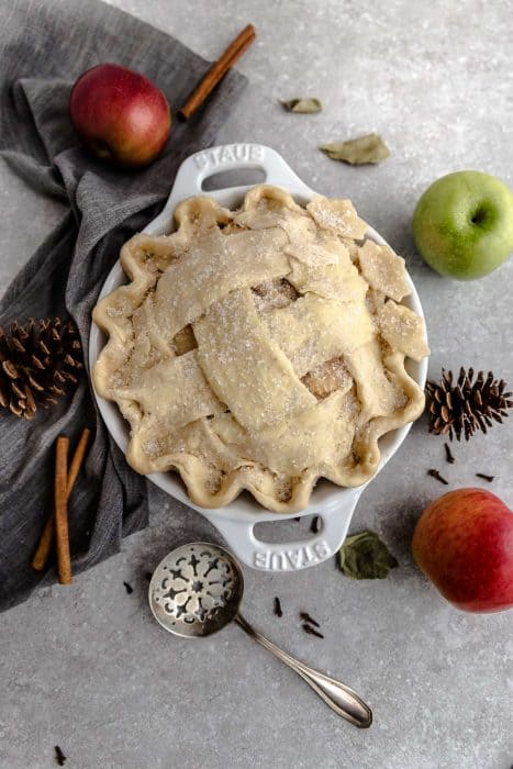 Classic Homemade Apple Pie is the perfect dessert for fall. Best of all, filled with tender apples, cinnamon, nutmeg, ginger, cloves and baked in a delicious flaky crust!