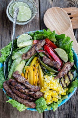 Asian Sesame Lime Steak Fajita Salad makes the perfect healthy dinner!