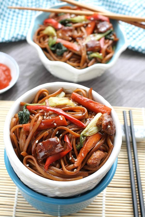 Best Slow Cooker Chicken Lo Mein is so easy to make & way better than takeout!