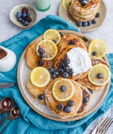 Blueberry Lemon Pancakes {Fluffy + Greek Yogurt} + VIDEO