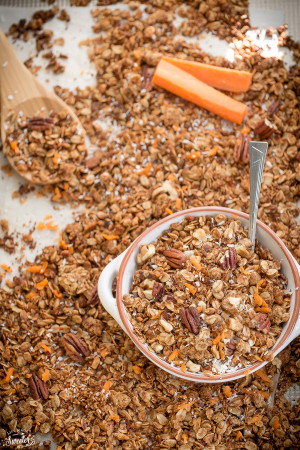 Carrot Cake Granola makes the perfect healthy snack!!