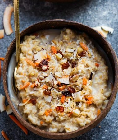 This Carrot Cake Oatmeal recipe is the perfect hearty and healthy breakfast. Best of all, it's so easy to customize and comes together so easy in just 30 minutes. A delicious and warm breakfast for spring and the Easter holiday.