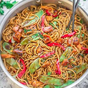 Chicken lo mein easy one pot 20 minute meal prep recipe video easy chicken lo mein video meal prep forumfinder Images