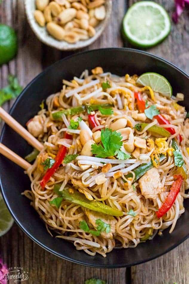 Chicken pad thai noodles best meal prep recipe video forumfinder Images