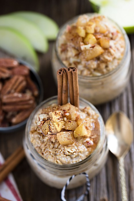Cinnamon Apple Pie Overnight Oats makes the perfect easy and healthy breakfast. Best of all, takes only a few minutes and you can easily make it ahead the night before. It's gluten free, dairy free and refined sugar free. Full of cozy fall flavors and it's like having dessert for breakfast!