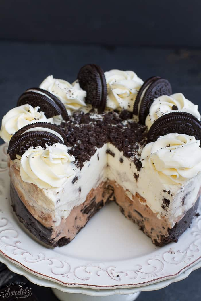 Cookies and Cream Oreo Ice Cream Cake