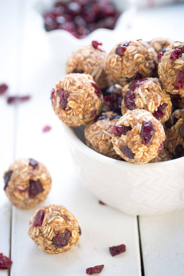 No Bake Cramberry Coconut Energy Bites make the perfect healthy snack on the go.