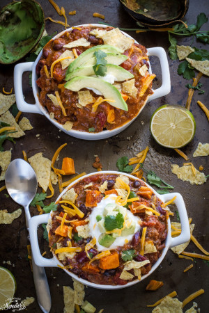 Easy Slow Cooker Chili is hearty and comforting-4