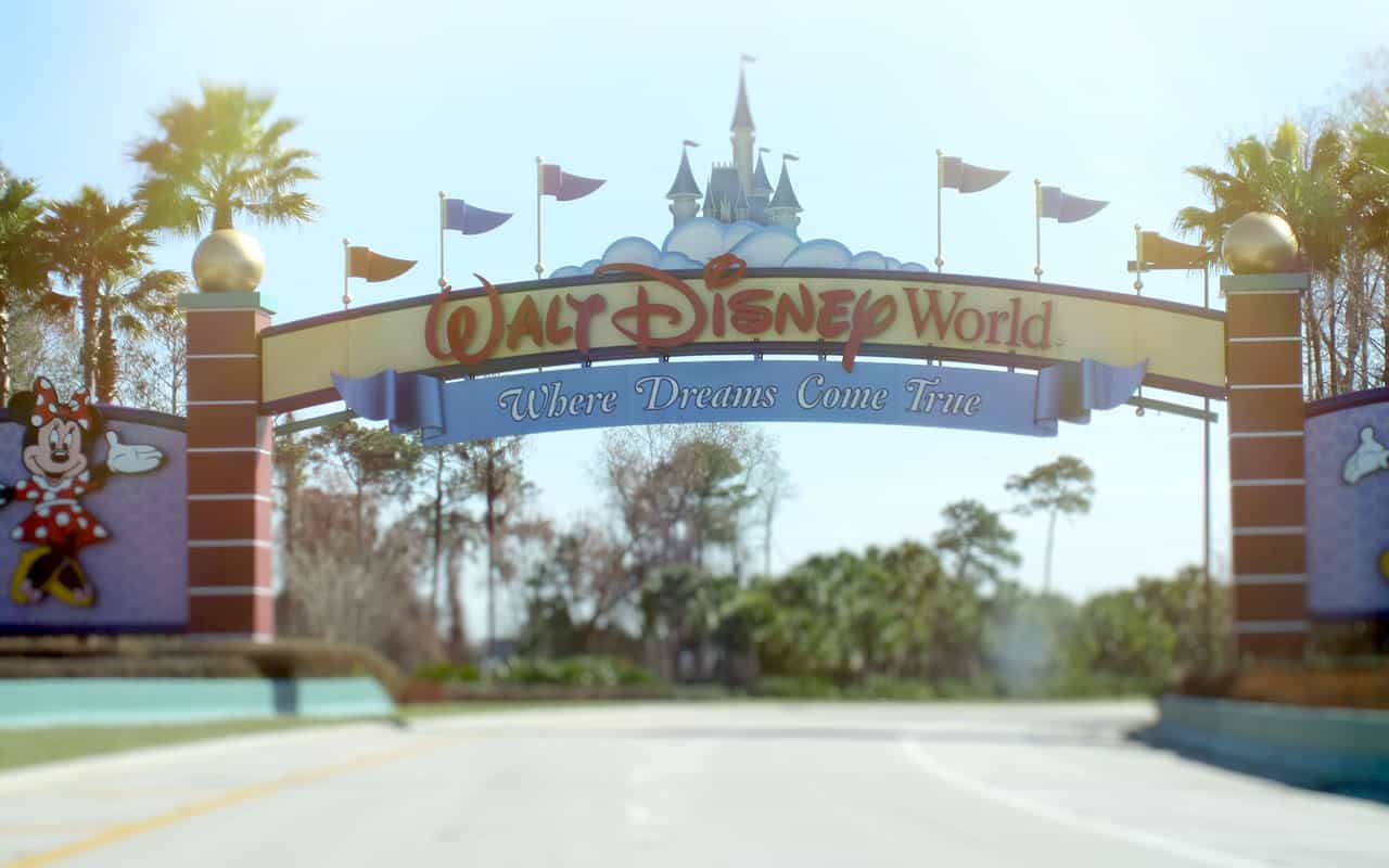 Entrance Disney World Travel Guide