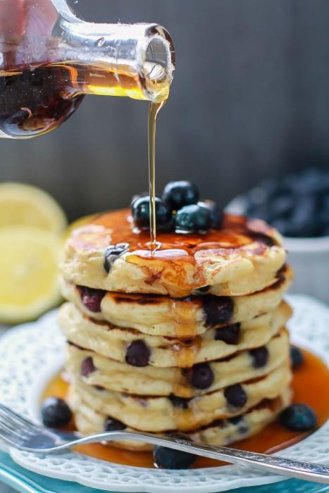 Blueberry Lemon Pancakes {Fluffy + Greek Yogurt} + VIDEO