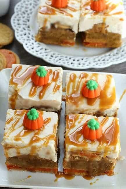 Frosted Caramel Pumpkin Oreo Blondies