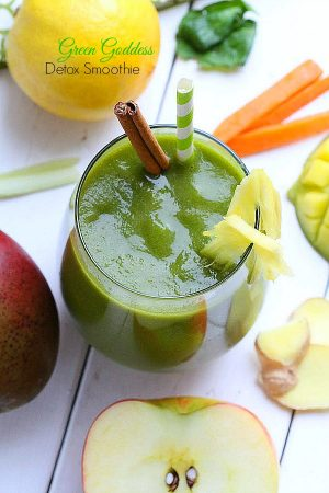 Green-Goddess-Detox-Smoothie-a-delicious-creamy-and-naturally-sweet-smoothie-that-is-healthy-full-of-vitamins-nutrients-sugar-free dairy-free paleo and vegan