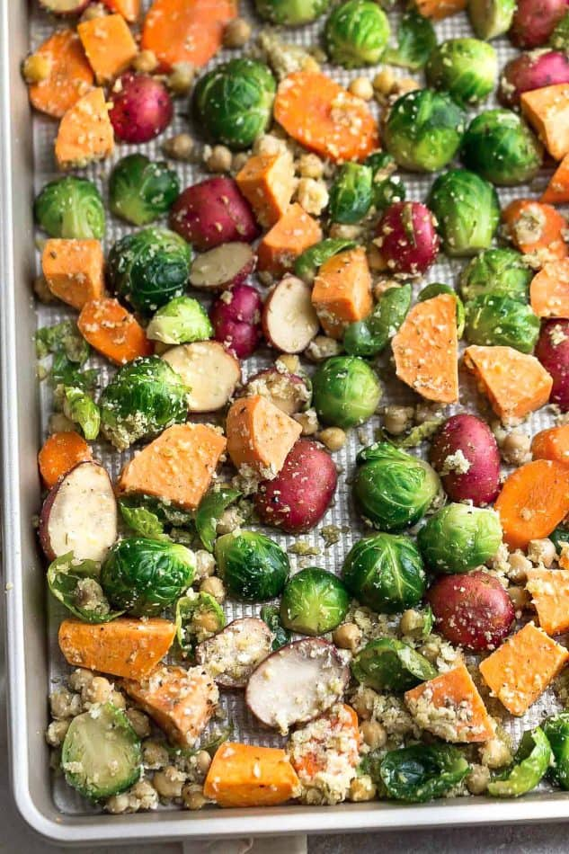 One pan roasted harvest vegetables video life made sweeter you start off by prepping and chopping the vegetables to around fairly the same size add to a large mixing bowl and combine with a blend of italian sciox Choice Image