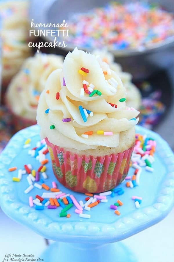 how to make the best homemade vanilla cupcakes