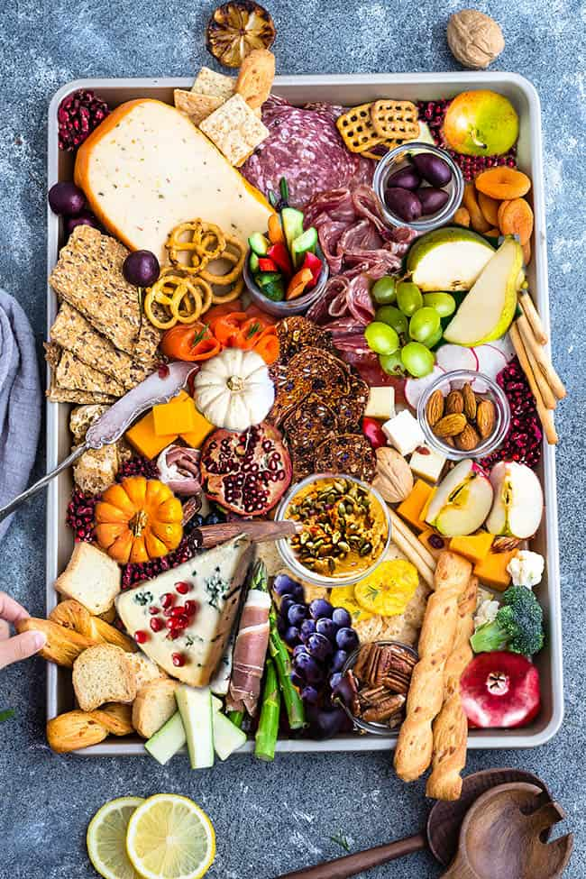 Christmas Cheese Board Ideas.How To Build The Perfect Cheese Board For Holiday Parties