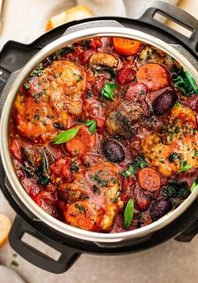 Instant Pot Chicken Cacciatore - an easy pressure cooker meal loaded with tender chicken, tomatoes, bell peppers, kale, carrots and sliced mushrooms. A comforting rustic dish that's perfect for busy weeknights with the best hearty and cozy Italian flavors.