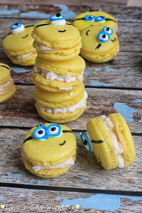 Minion Macarons