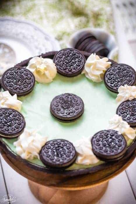No Bake Chocolate Mint Oreo Pie