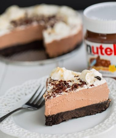 No Bake Nutella Cheesecake Pie is so easy to make & perfect for sharing.
