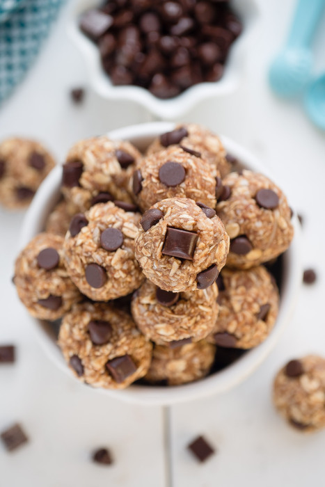 No Bake Peanut Butter Energy Bites with Chocolate Chips + Recipe Video