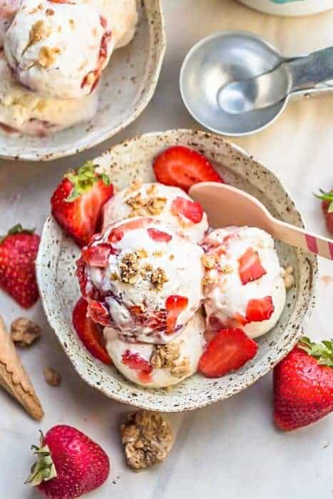 Strawberry Cheesecake Ice Cream {No Churn}