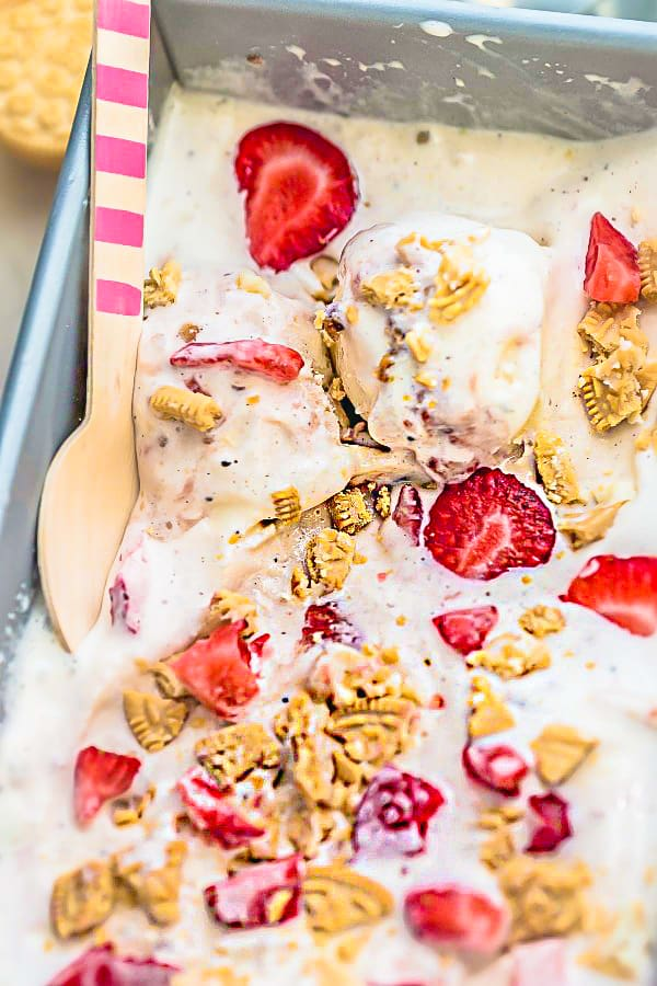 Strawberry Shortcake Ice Cream - Homemade Strawberry Ice ...