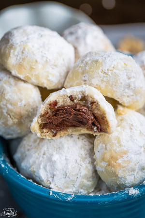 Nutella Stuffed Snowball Cookies are perfect for your Christmas cookie tray!