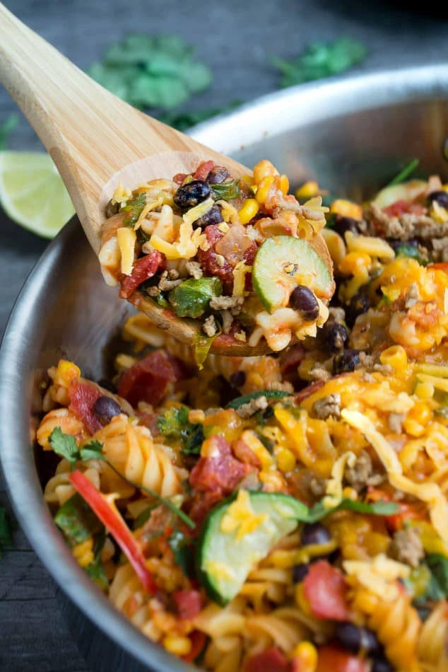 One Pot Taco Pasta makes the perfect easy weeknight meal!!