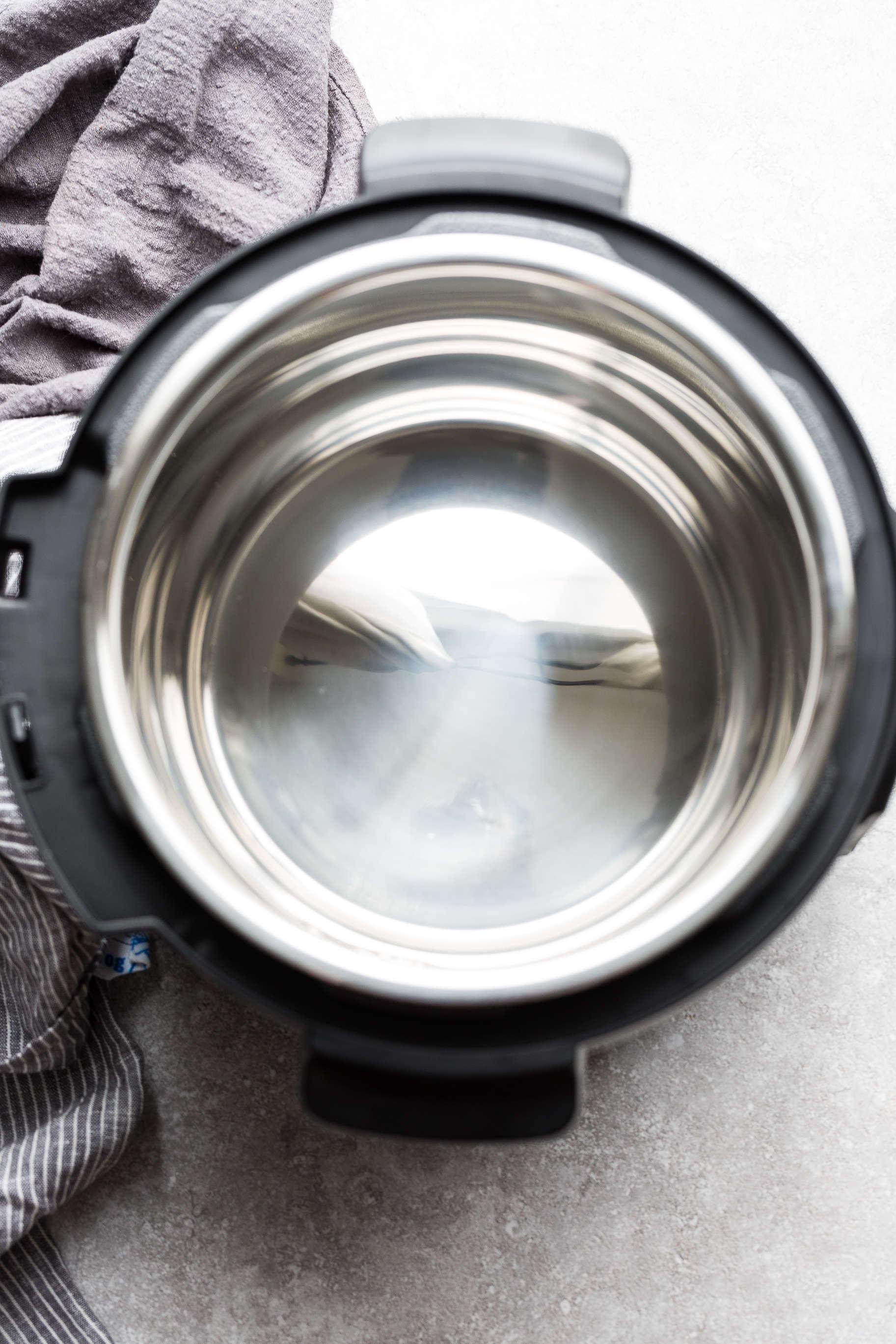 Overhead view of an empty Power Quick Pot