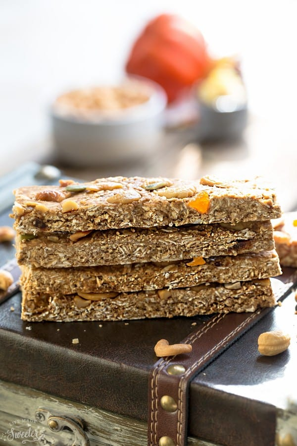 Pumpkin Cashew Granola Bars makes the perfect healthy and easy grab-and-go snack! Best of all, they're easy to customize and are gluten free and refined sugar free!