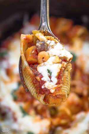 Pumpkin Jambalaya Stuffed Shells are easy to make & so delicious!