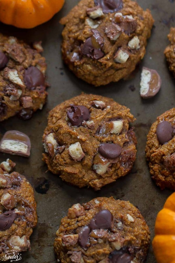 Pumpkin Oatmeal Chocolate Twix Cookies are such delicious cookies for fall