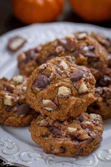 Pumpkin Chocolate Twix Cookies