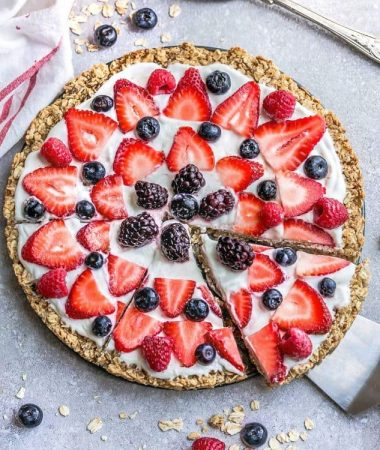 Red White and Blue Mixed Berry Fruit Pizza + Recipe VIDEO