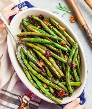Roasted Green Beans with Garlic and Balsamic