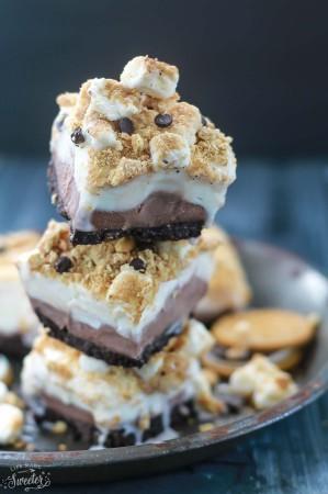 S'mores Ice Cream Bars make the perfect easy frozen treat!