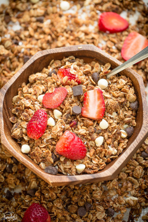 Strawberry White Chocolate Granola makes the perfect healthy & easy snack!!!!!