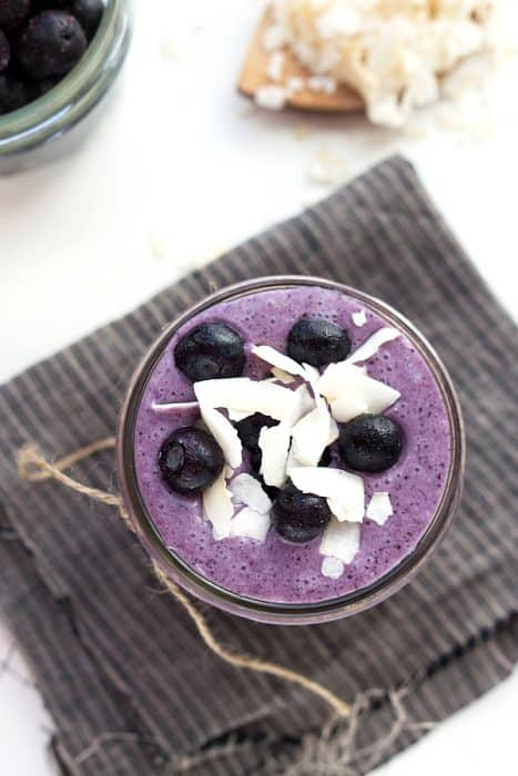 This-delicious-and-easy-blueberry-and-coconut-smoothie-delivers-a-metabolism-and-energy-boost-no-greens-required