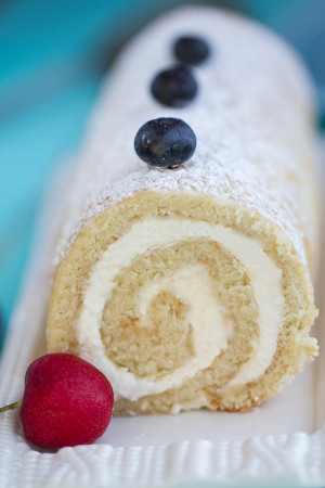 Vanilla Sponge Cake with a dreamy vanilla mascarpone filling makes an impressive & light summery dessert