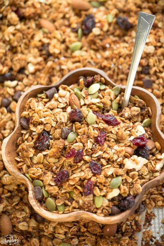 Clusters of gingerbread granola recipe made with oats.