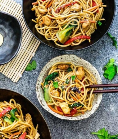 cropped-Slow-Cooker-Chicken-Lo-Mein-Noodles-lifemadesweeter-e1487424186237.jpg