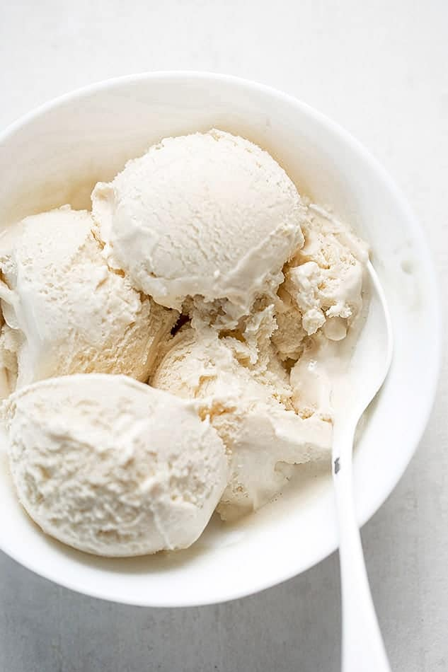 Keto Vanilla Ice Cream recipe as an easy eggless dessert.