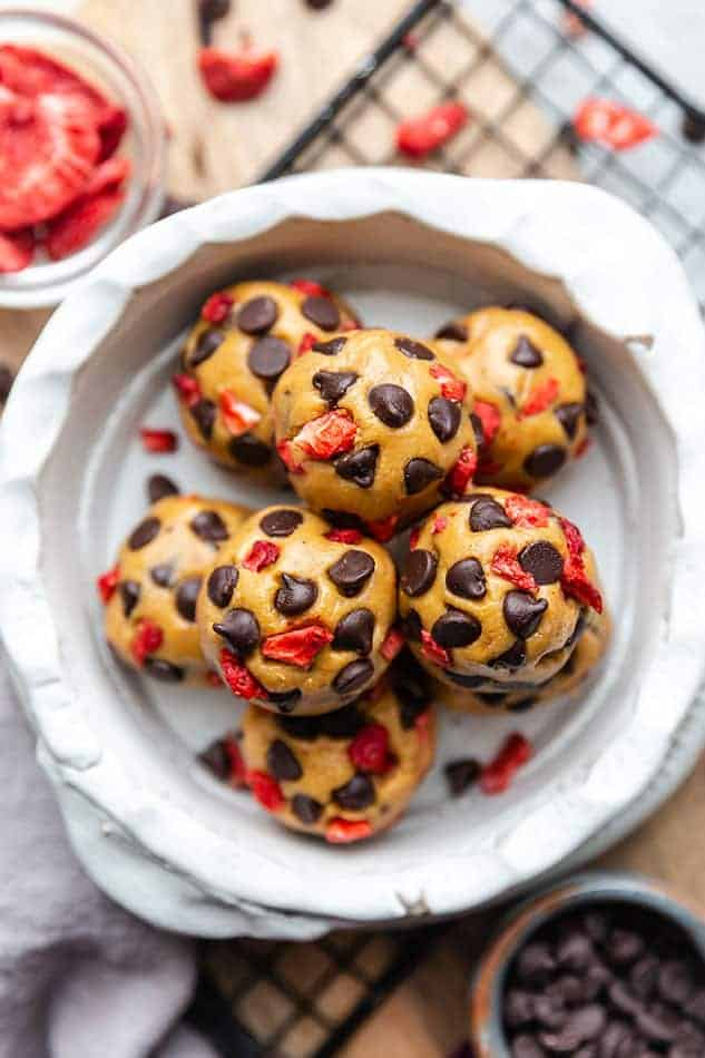 Cookie dough bites as eggless desserts.